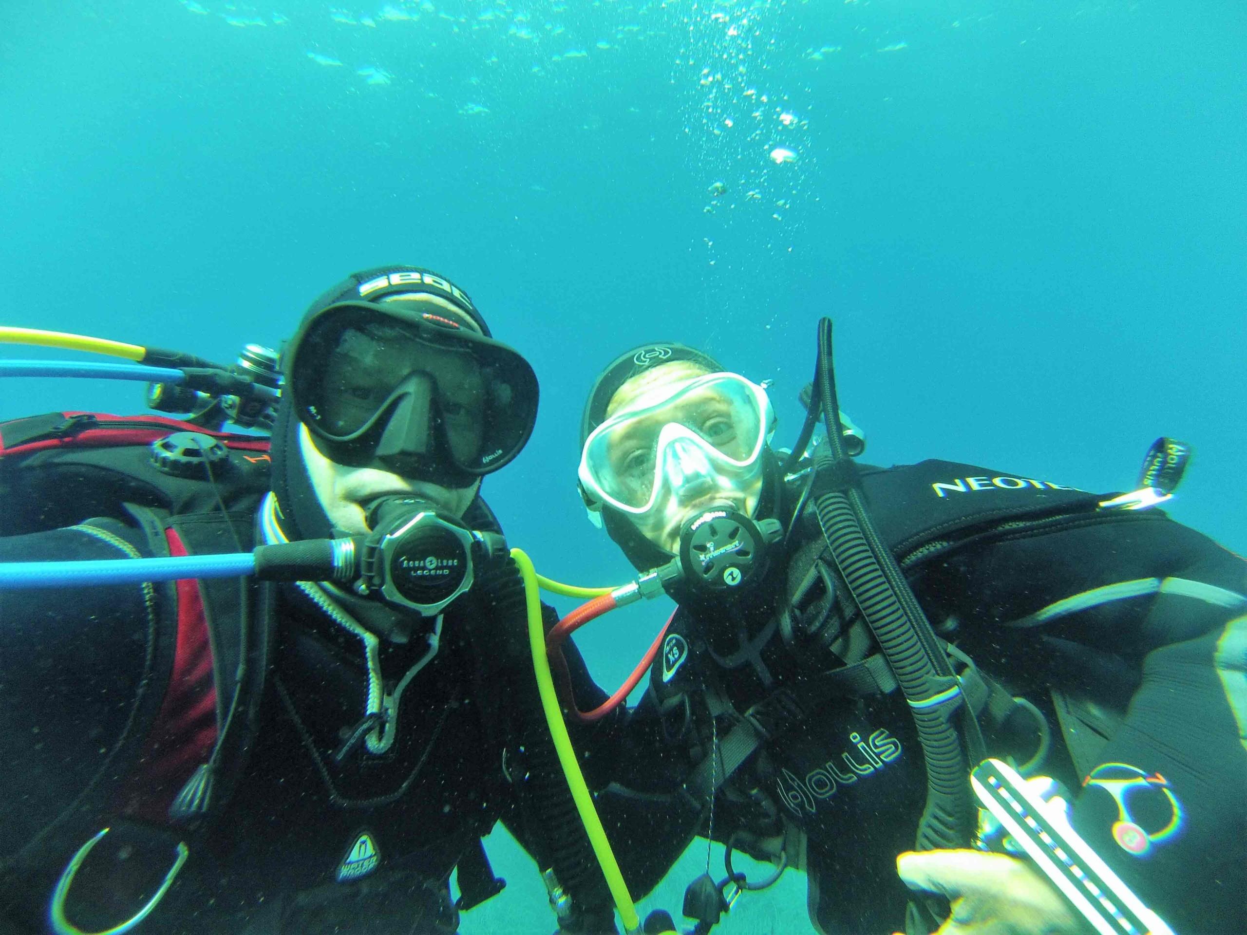 Twosome_underwater